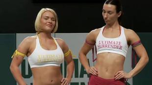 Carla encule sa copine lesbienne de force